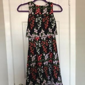 Flower Patterned Open Back Dress